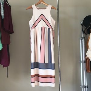 Dresses & Skirts - Geometric Stripe Dress